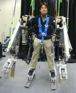 panasonic-power-loader-exoskeleton-0
